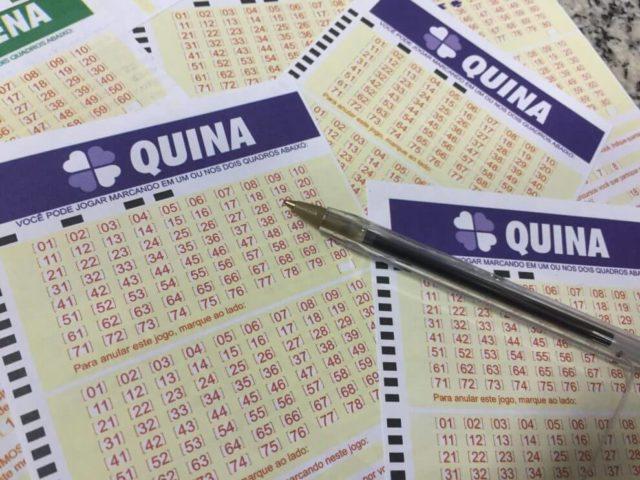 Folhetos de Quina